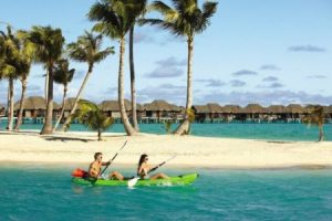 kayaking at four seasons bora bora