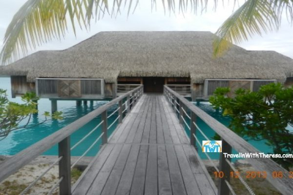 Enjoy our picture entrance to Royal Overwater Villa 2 bedroom