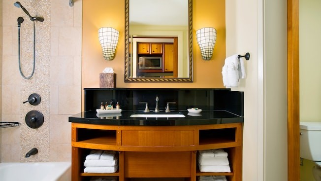 aulani bathroom studio