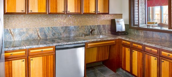 aulani signature 2 bdrm suite kitchen