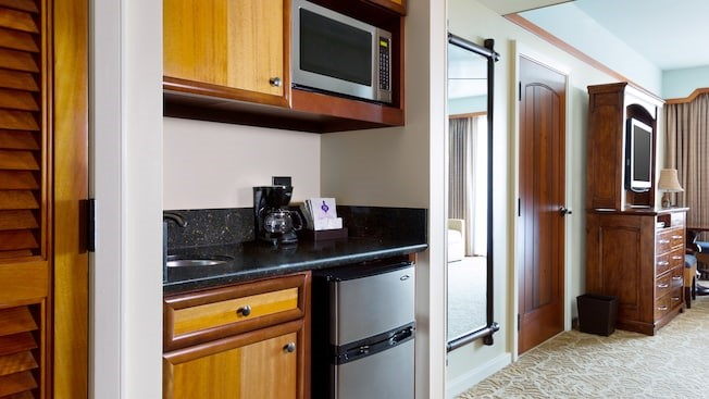 aulani studio kitchen