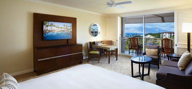 grand wailea napua-club-room-king-balcony-couc