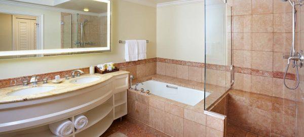 grand wailea napua-tower-full-bath-tub-shower