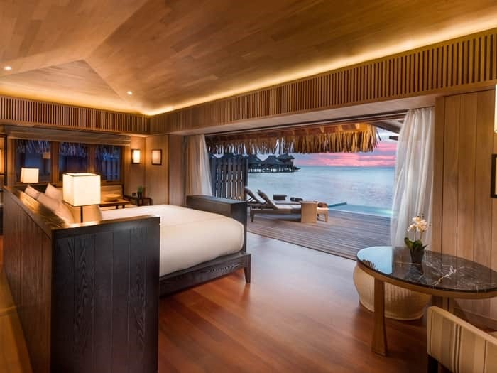 Conrad Bora Bora King OVerwater Luxury iew with Plunge Pool