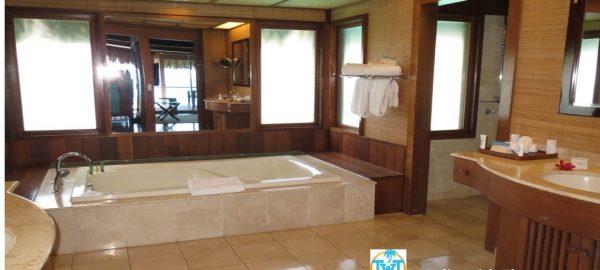conrad bora bathroom