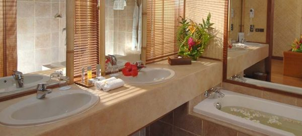 Intercontinental Moorea bathroom