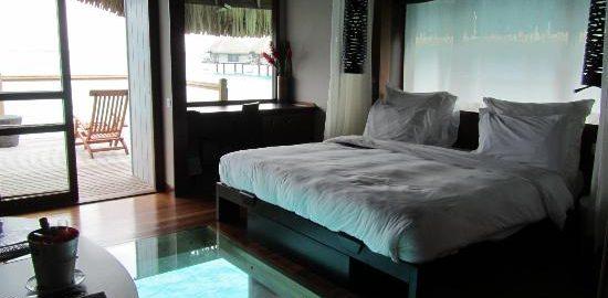 King-Overwater-Villa-Le-Meridien-Bora