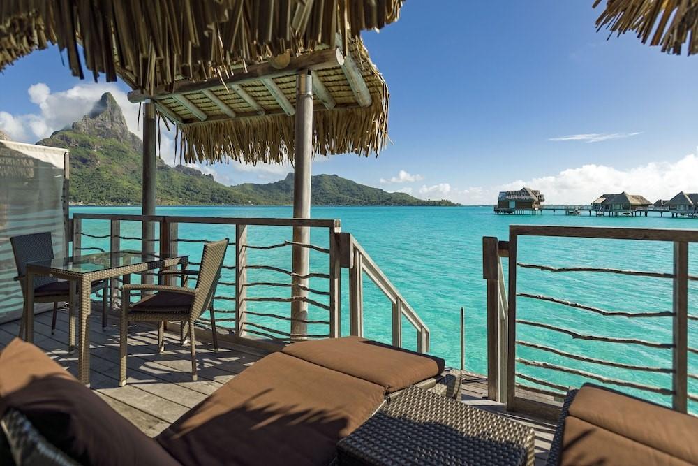 thalasso overwater balcony