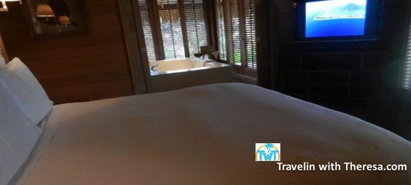 Four Seasons Bora King Bedroom