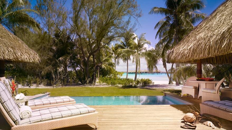 One-Bedroom Beachfront Villa Estate pool
