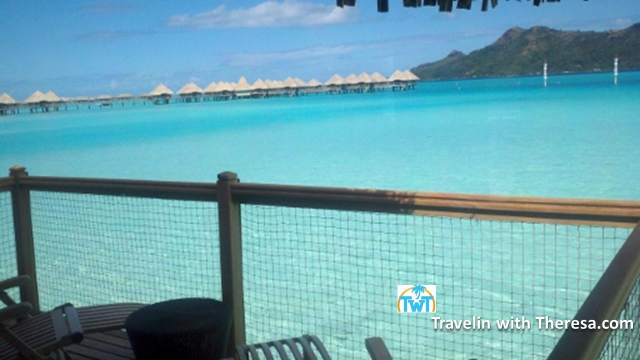 overater-lagoon-view-Le-Meridien-Bora