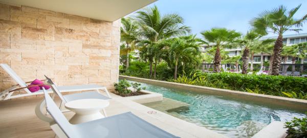 Allure Junior Suite Swimout Tropical V