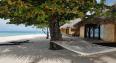 tahaa pool beach hammock