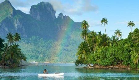 Conrad-Bora-Bora-Rainbow-canoe
