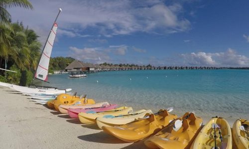 paddle-board-bay-regis-bora