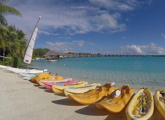paddle-board-bay-regis-bora