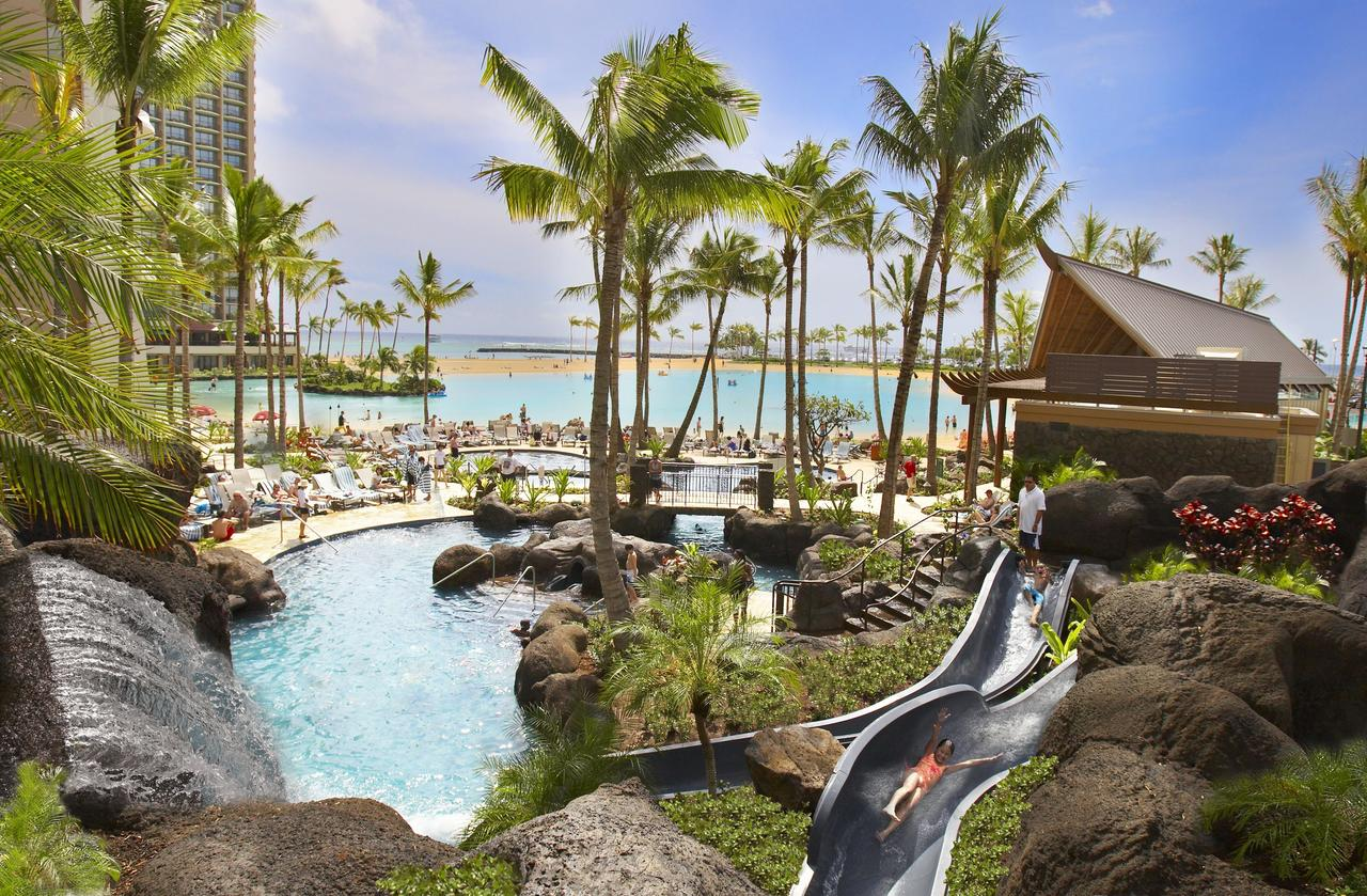 hilton hawaiian family pool