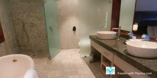 hilton moorea bathroom