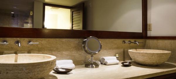 Lahani Molokai Bathroom