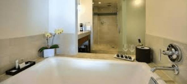 TurtleBay Suite Bathroom