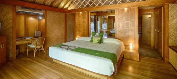 King Bed Le Bora Pool Overwater
