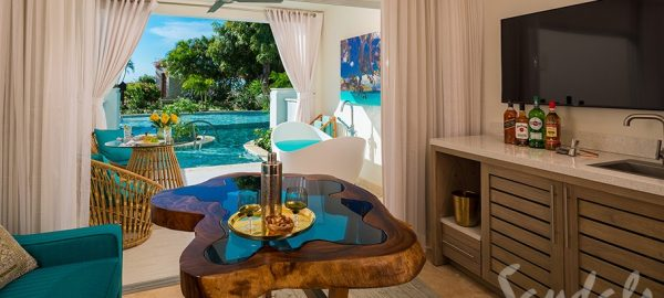 Crystal Lagoon Swim-up One-Bedroom Butler Suite w/ Patio Tranquility Soaking Tub - S1B