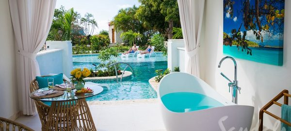 Crystal Lagoon Swim-up One-Bedroom Butler Suite w/ Patio - S1B