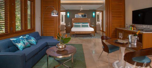 Sandals Montego Beachfront Romeo & Juliet One-Bedroom Butler Villa Living - RJ
