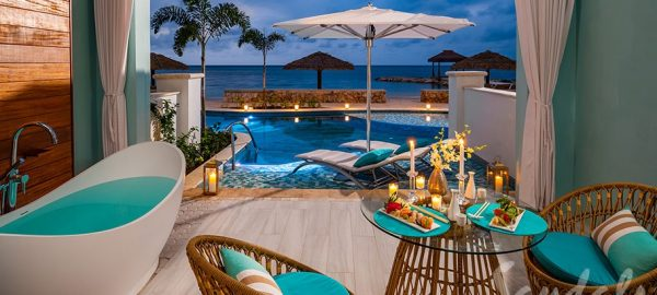 Beachfront Swim-up Millionaire One Bedroom Butler Suite w/Patio- SM1B