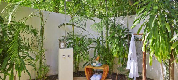 viceroy maya luxury villa showers