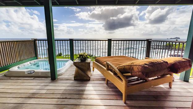 Hana Maui Oceanfront jacuzzi