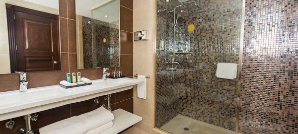 riu palace cabo swim shower